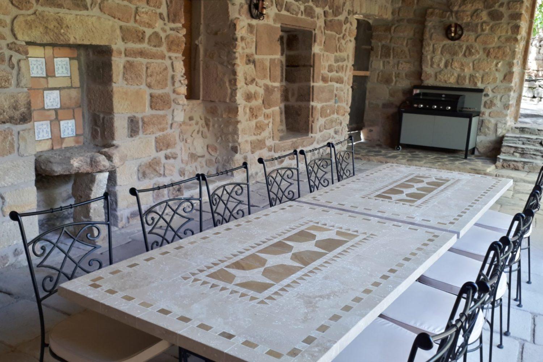 Tables en mosaïque de marbre