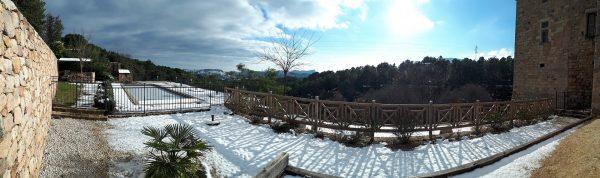Panoramique Espace piscine - Manteau de neige hivernal